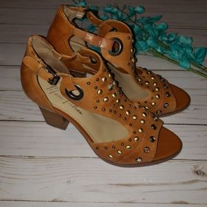 MARC FISHER heels size 8